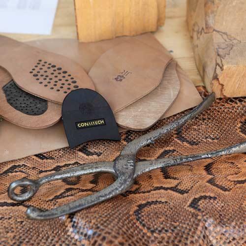 Maßschuhe Material Leder Sohlen